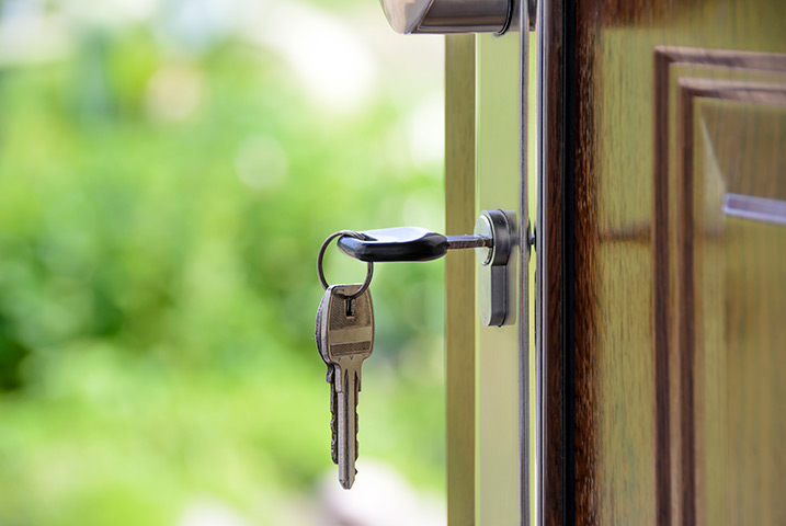 A2B Locks are able to provide local locksmiths in Aveley to repair your broken locks.